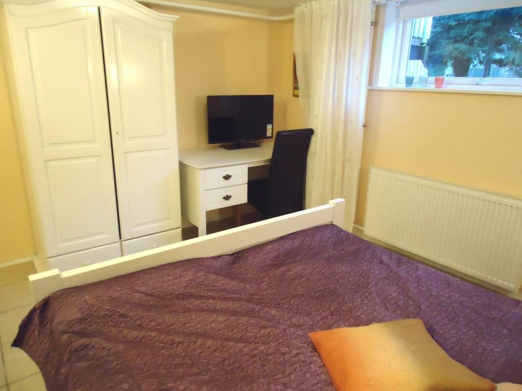 http://www.ribebnb.dk/wp-content/uploads/room2-3-1024x768.jpg